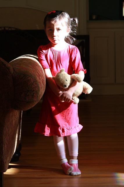 sad-child-173395_640
